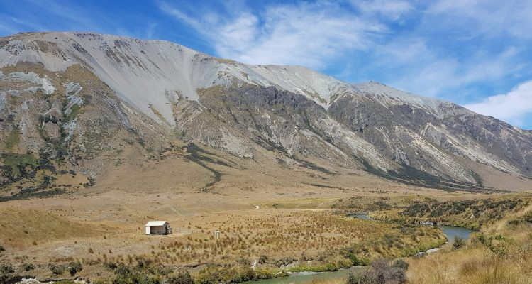 Te Araroa Trail Day 105 - Boundary hut, before North Mavora Lake