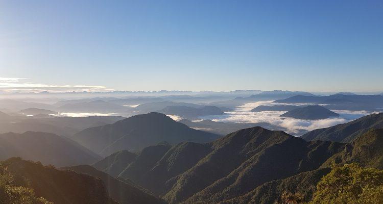 Te Araroa Trail Day 120 - Dawn over Kahurangi National Park