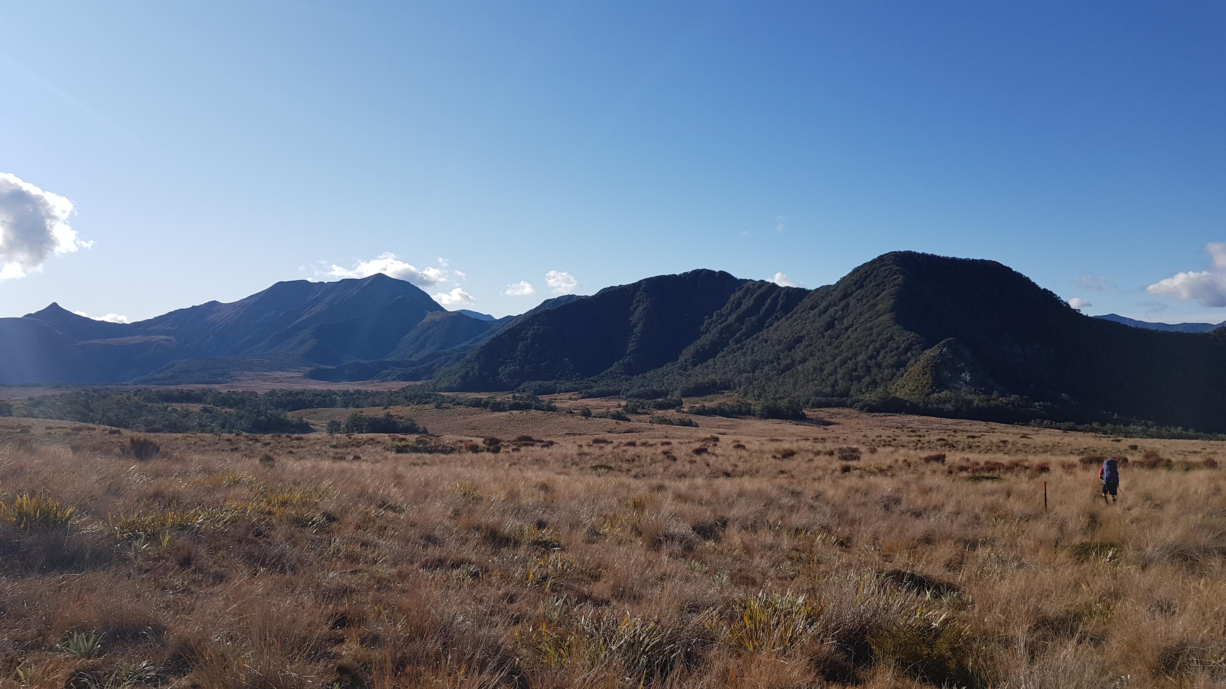 Heading towards Larrakins hut across 1000 Acre Plateau