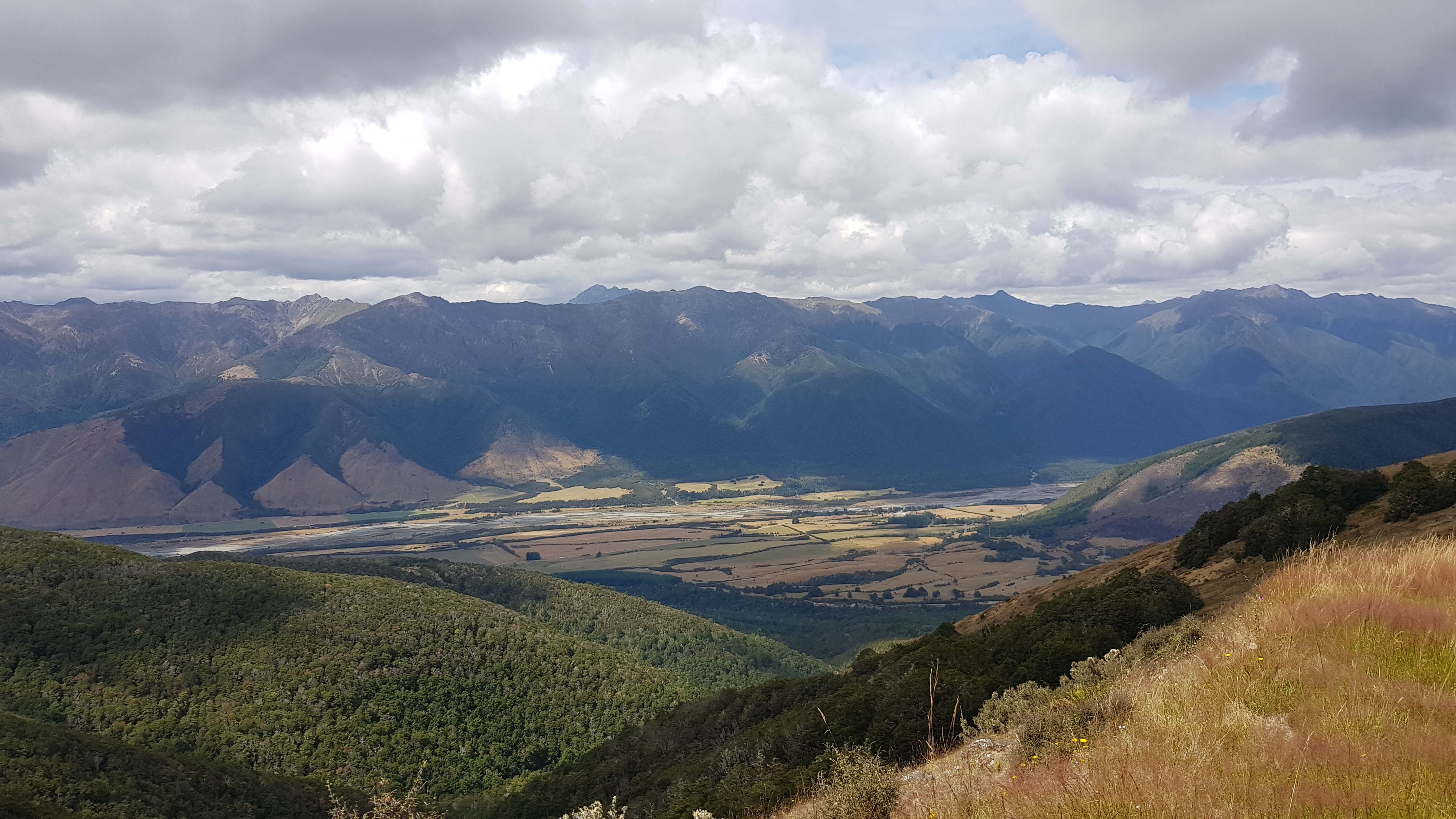 Views of the Wairau from the Beebys Knob Track
