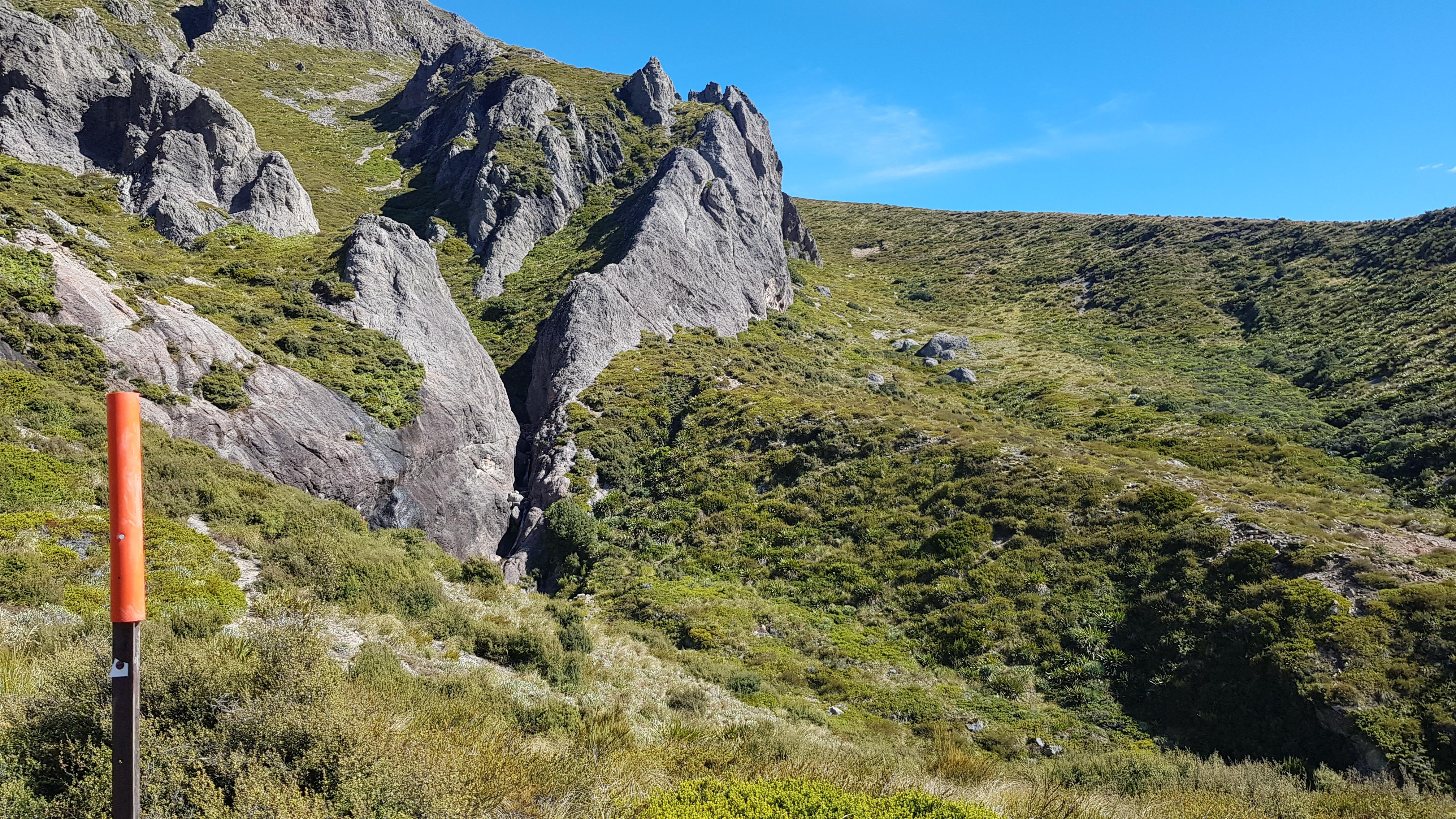 Pinnacles hut to Woolshed Creek hut