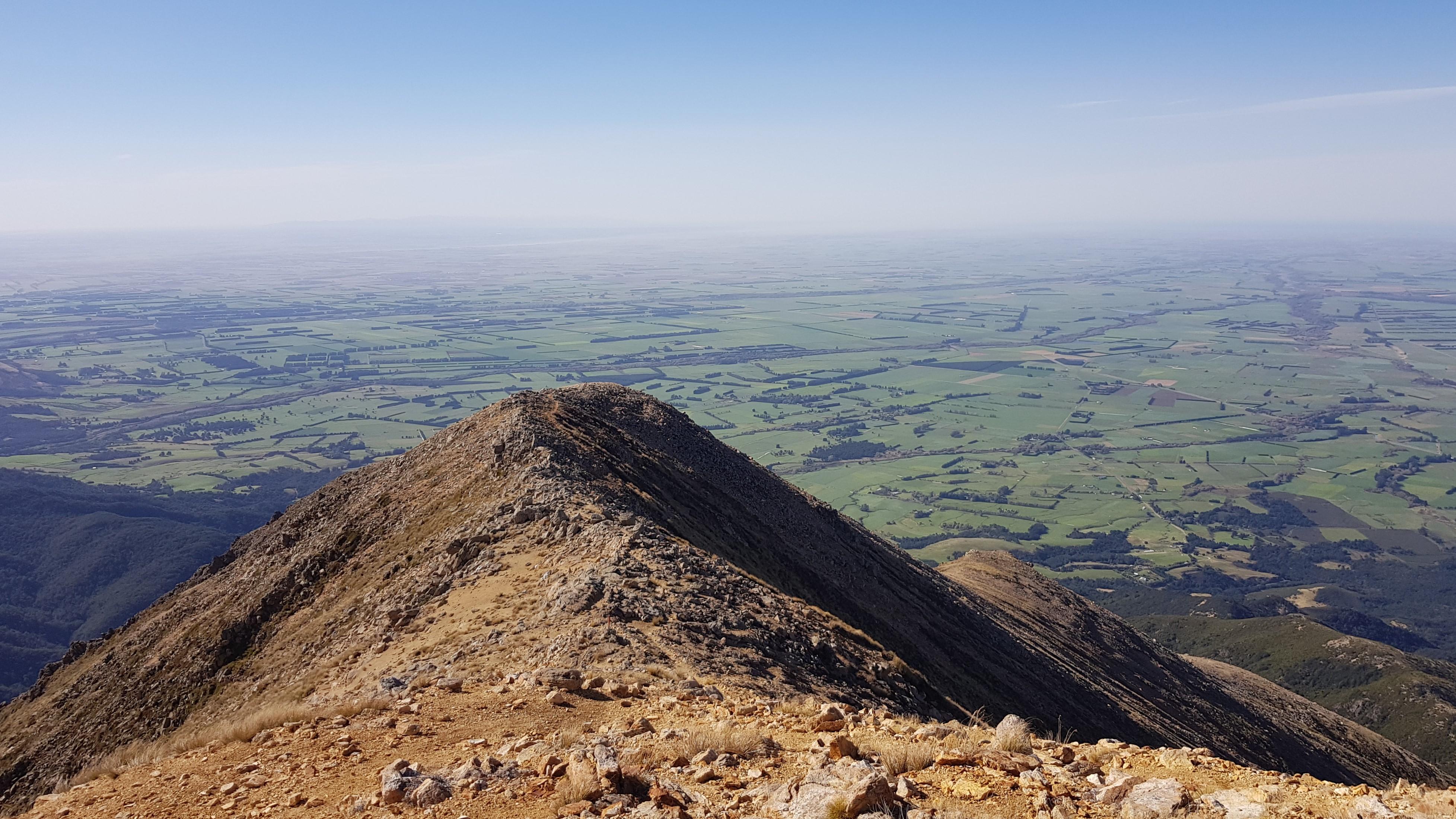 Mt Somers summit track down the ridge